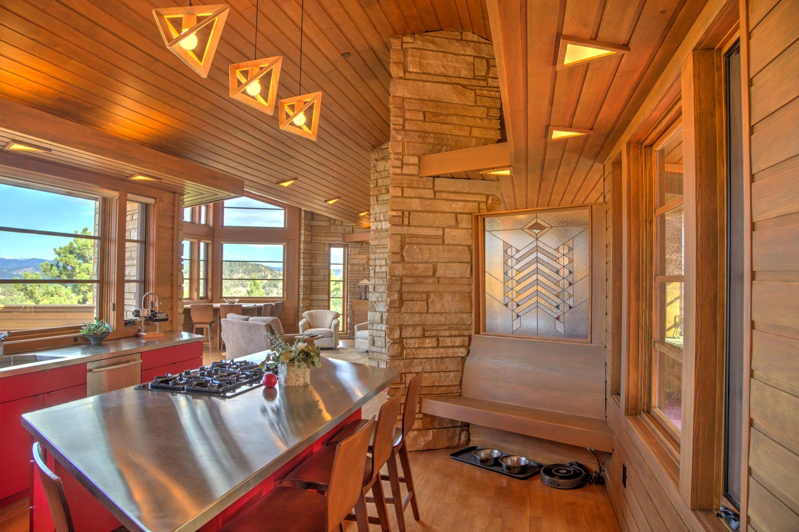 http://scdac.com/wp/wp-content/uploads/2P4A8172_3_4_5_6_7_8_Steves-FLW-House-Interior-2.jpg